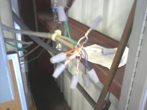 How not to splice Cat5 network cable. Ever. Or I KILL YOU!